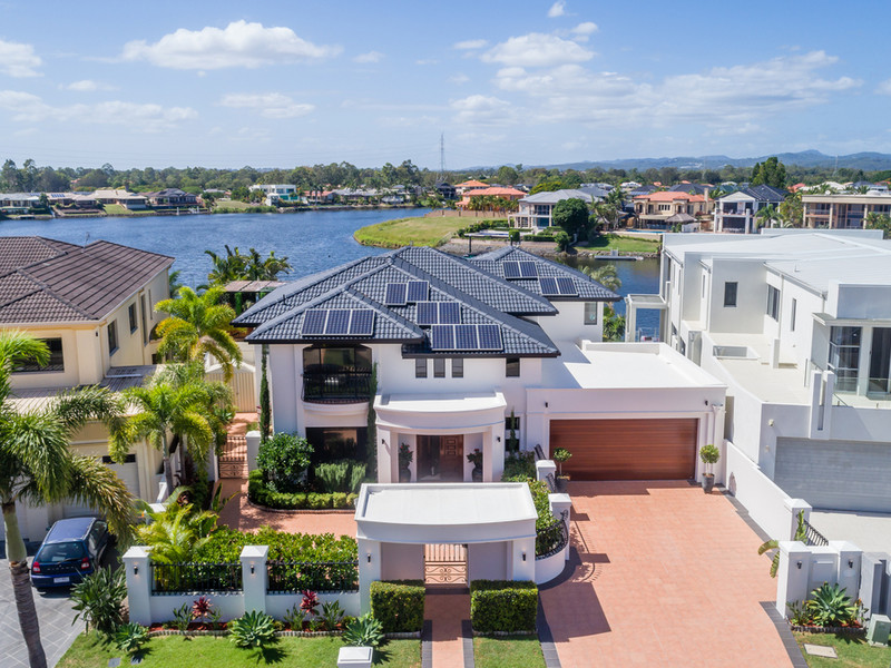 28 Clear Water Bay Avenue, Clear Island Waters Qld 4226