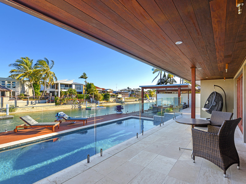 146 Monaco Street, Broadbeach Waters Qld 4218