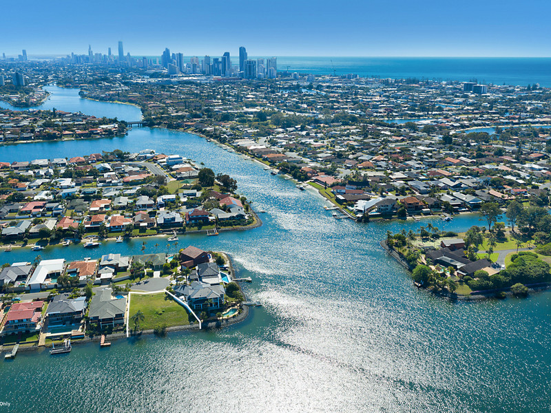 29 Pilot Court, Mermaid Waters Qld 4218