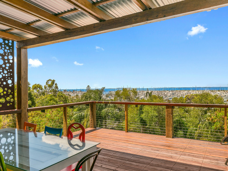 563 Royal Esplanade, Manly Qld 4179