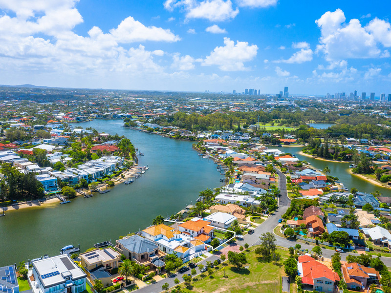 7 Ipsley Drive, Broadbeach Waters Qld 4218