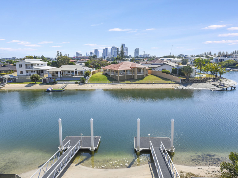 2 / 34 Sundowner Court, Mermaid Waters Qld 4218