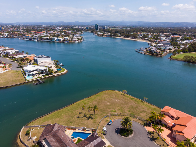 126 & 151 Commodore Drive, Paradise Waters Qld 4217