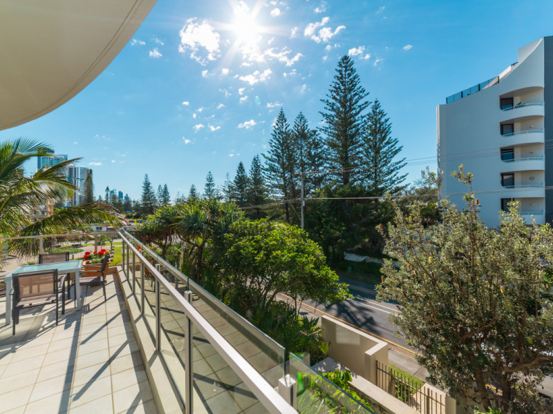 201 / 252 Hedges Avenue, Mermaid Beach Qld 4218