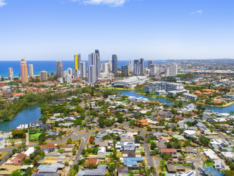 26 Ilkinia Avenue, Broadbeach Waters Qld 4218