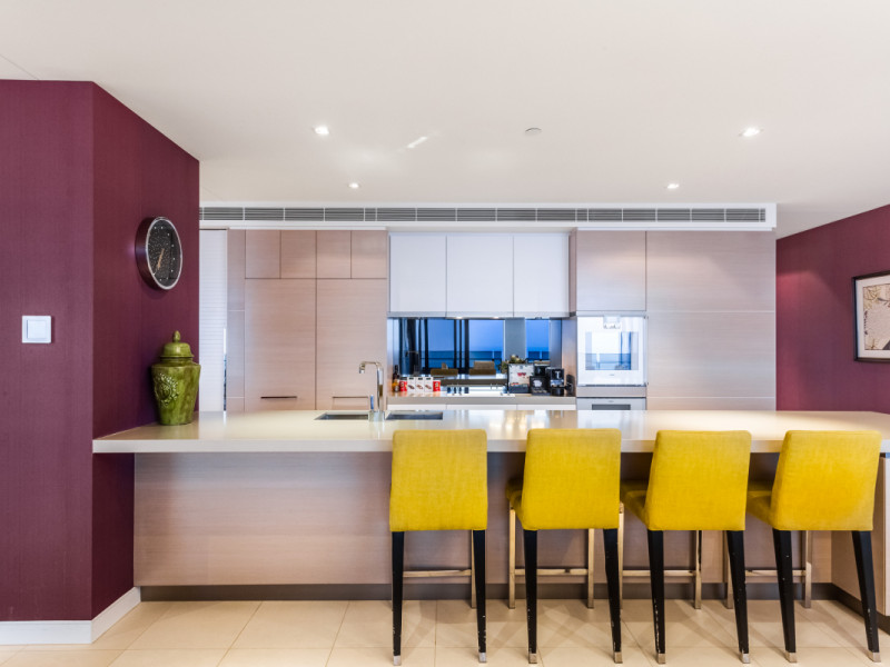 6701 / 4-14 The Esplanade, Surfers Paradise Qld 4217