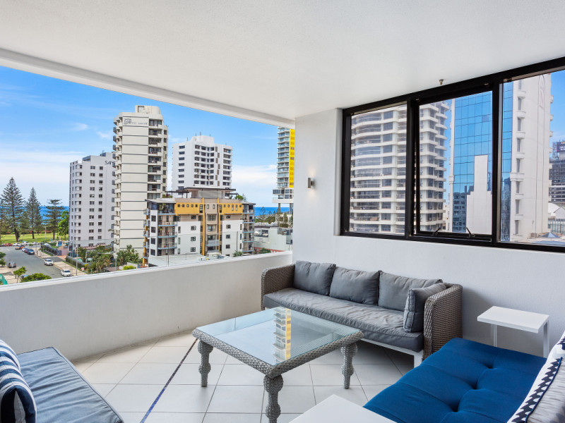 604 / 17 Albert Avenue, Broadbeach Qld 4218