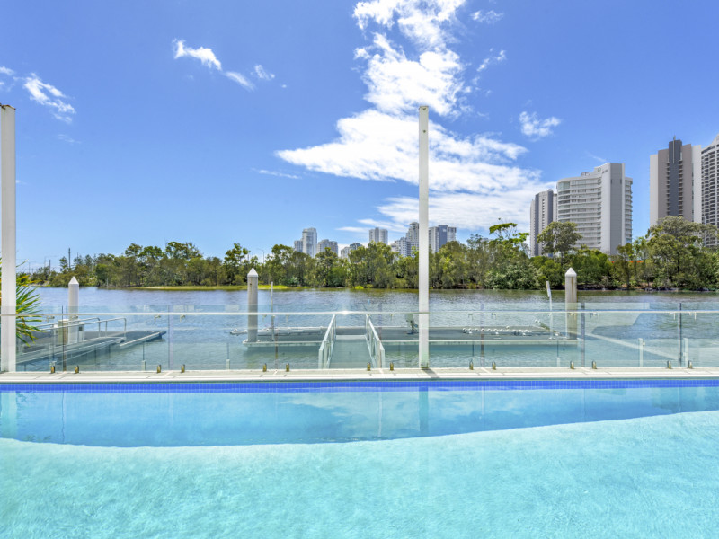 67 Commodore Drive, Paradise Waters Qld 4217