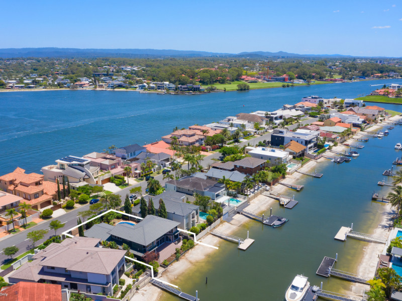 53 Admiralty Drive, Paradise Waters Qld 4217