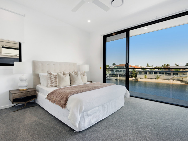 1 & 2 / 19 Havana Key, Broadbeach Waters Qld 4218