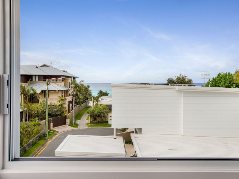2 / 6 Fenton Place, Currumbin Qld 4223
