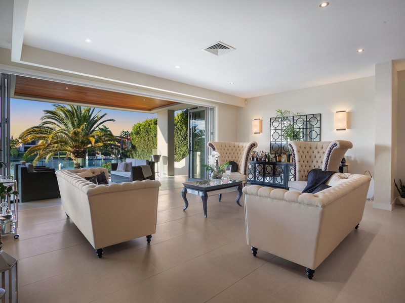 2616 Virginia Drive, Hope Island Qld 4212