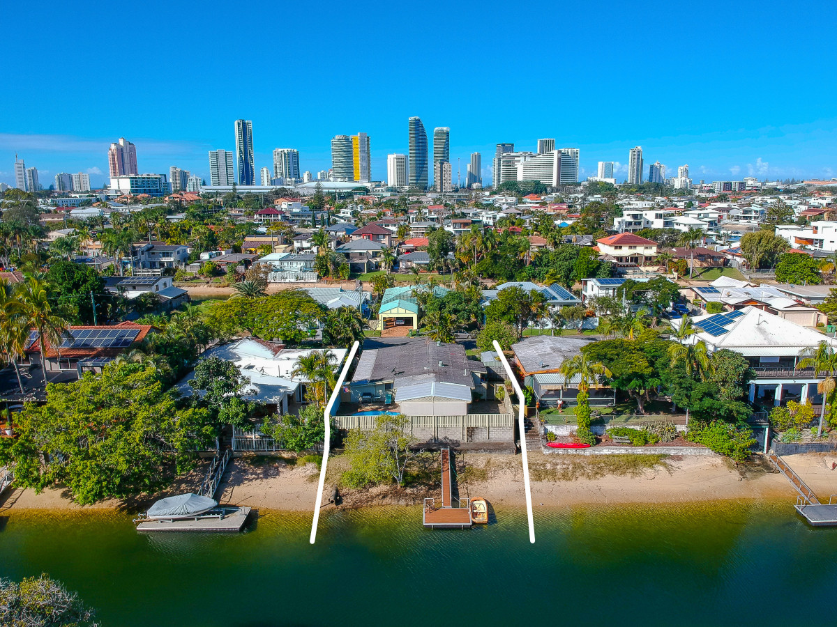 13 Pearl Key, Broadbeach Waters Qld 4218