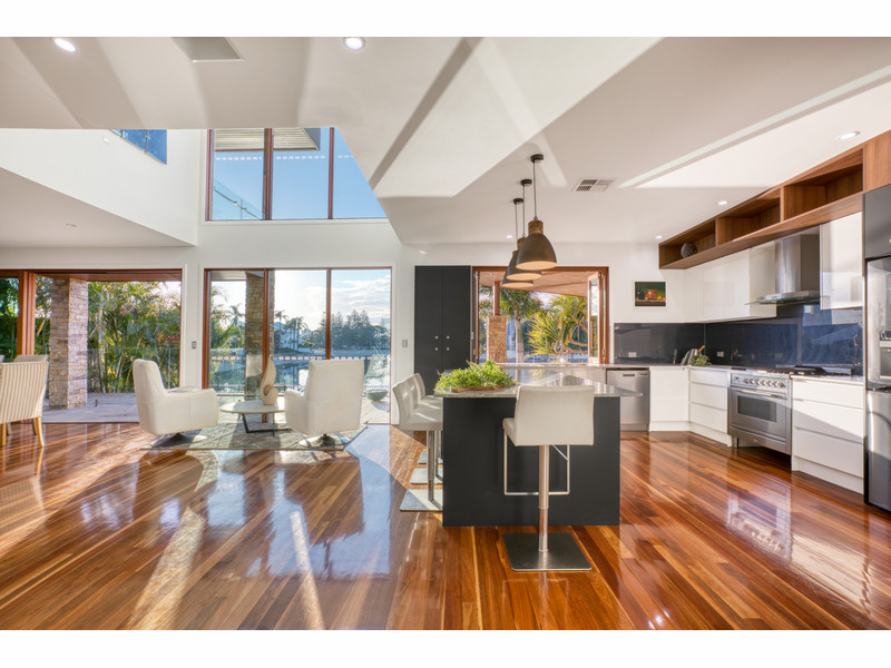 48 Rio Vista Boulevard, Broadbeach Waters Qld 4218