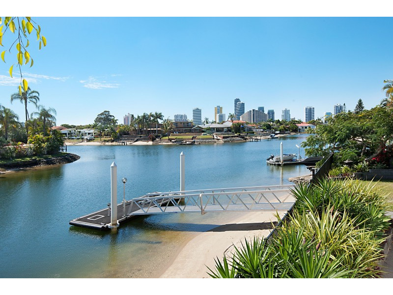 10 Seaforth Avenue, Broadbeach Waters Qld 4218