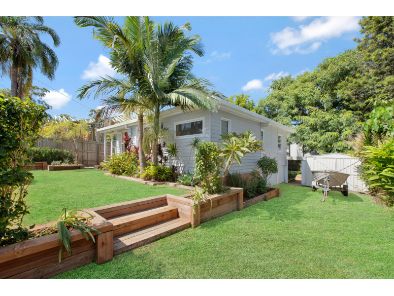 6 Barton Avenue, Southport Qld 4215