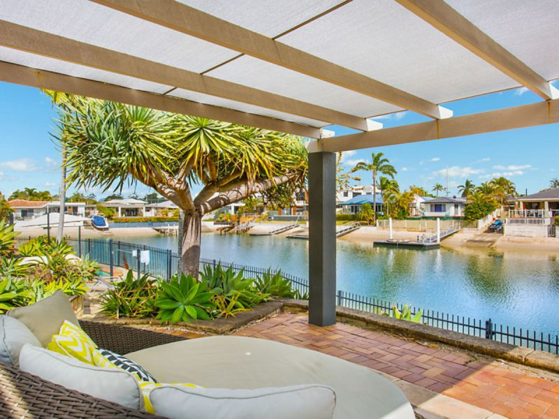 29 Beverley Crescent, Broadbeach Waters Qld 4218