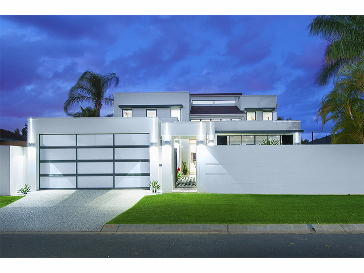 23 Bombala Street, Broadbeach Waters Qld 4218