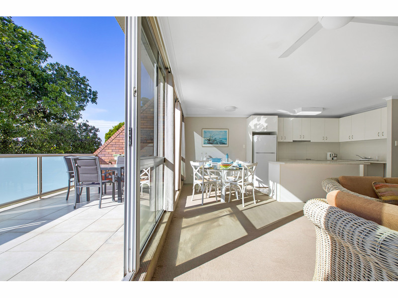 16 / 111 Rio Vista Boulevard, Broadbeach Waters Qld 4218