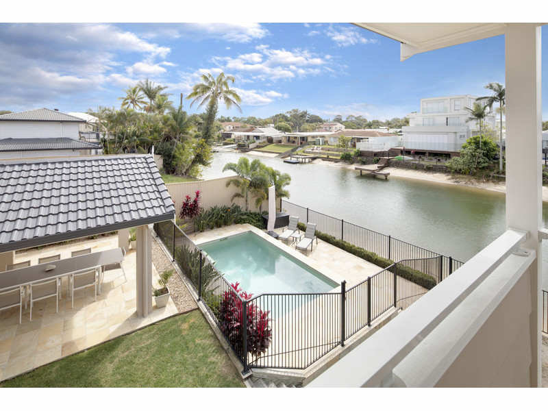 3 Ensenada Court, Broadbeach Waters Qld 4218