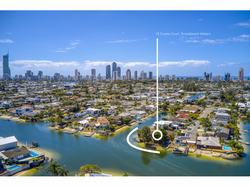 15 Cresta Court, Broadbeach Waters Qld 4218