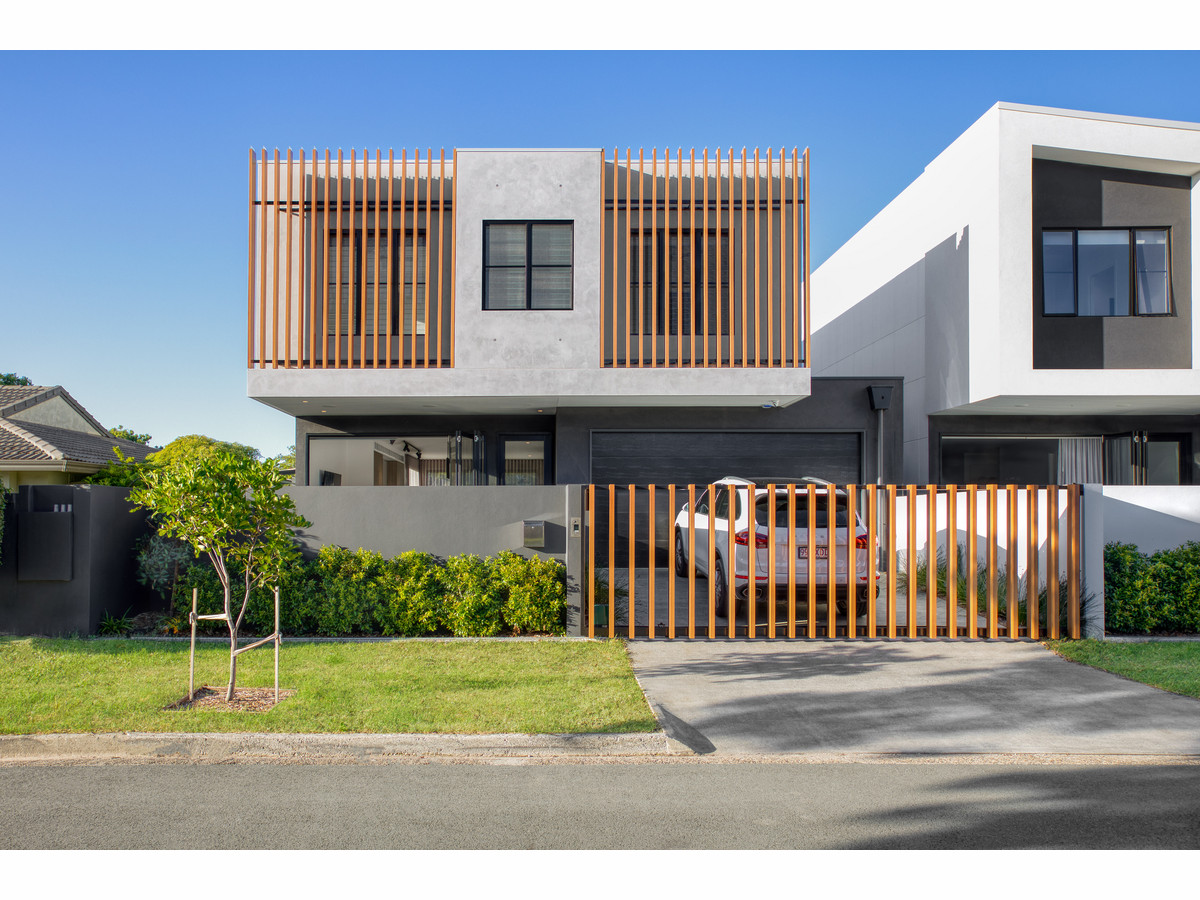 3 / 1 Seaforth Avenue, Broadbeach Waters Qld 4218