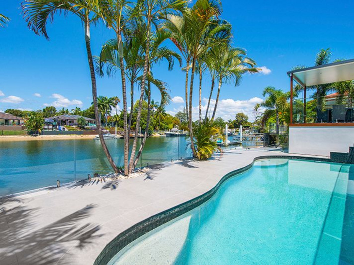 7 Lakeside Avenue, Broadbeach Waters Qld 4218
