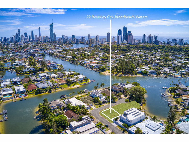 22 Beverley Crescent, Broadbeach Waters Qld 4218