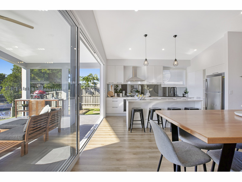 98 Rio Vista Boulevard, Broadbeach Waters Qld 4218