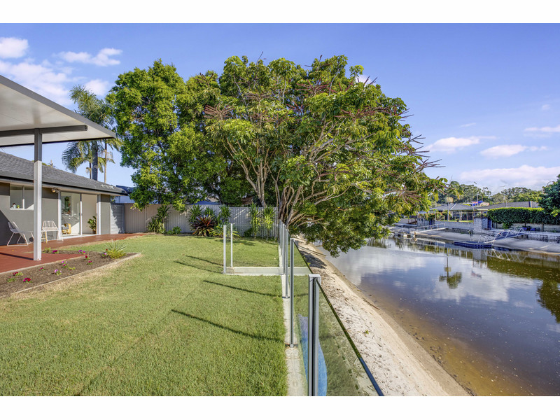 3 Key West, Broadbeach Waters Qld 4218