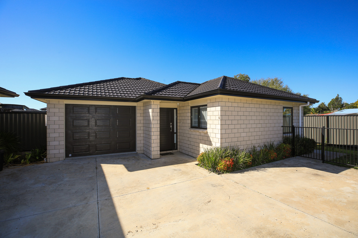 4 Stan Heather Drive, Glenview