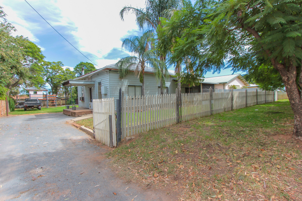 Excellent first home or investment property!!