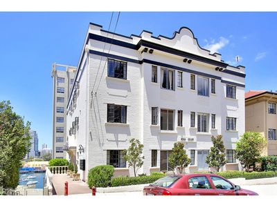 10/7 East Crescent Street, Mcmahons Point