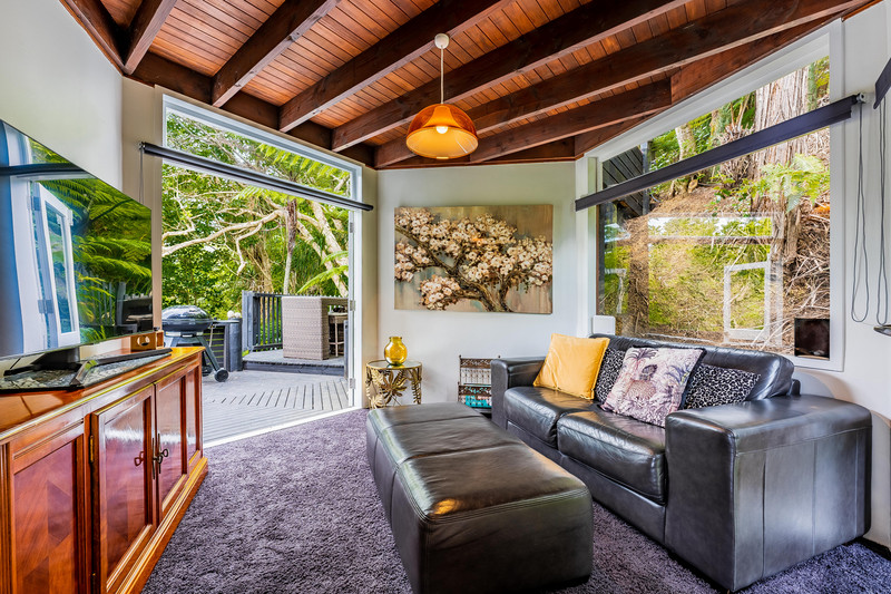 12 Carlisle Road, Browns Bay, North Shore City, Auckland 0630
