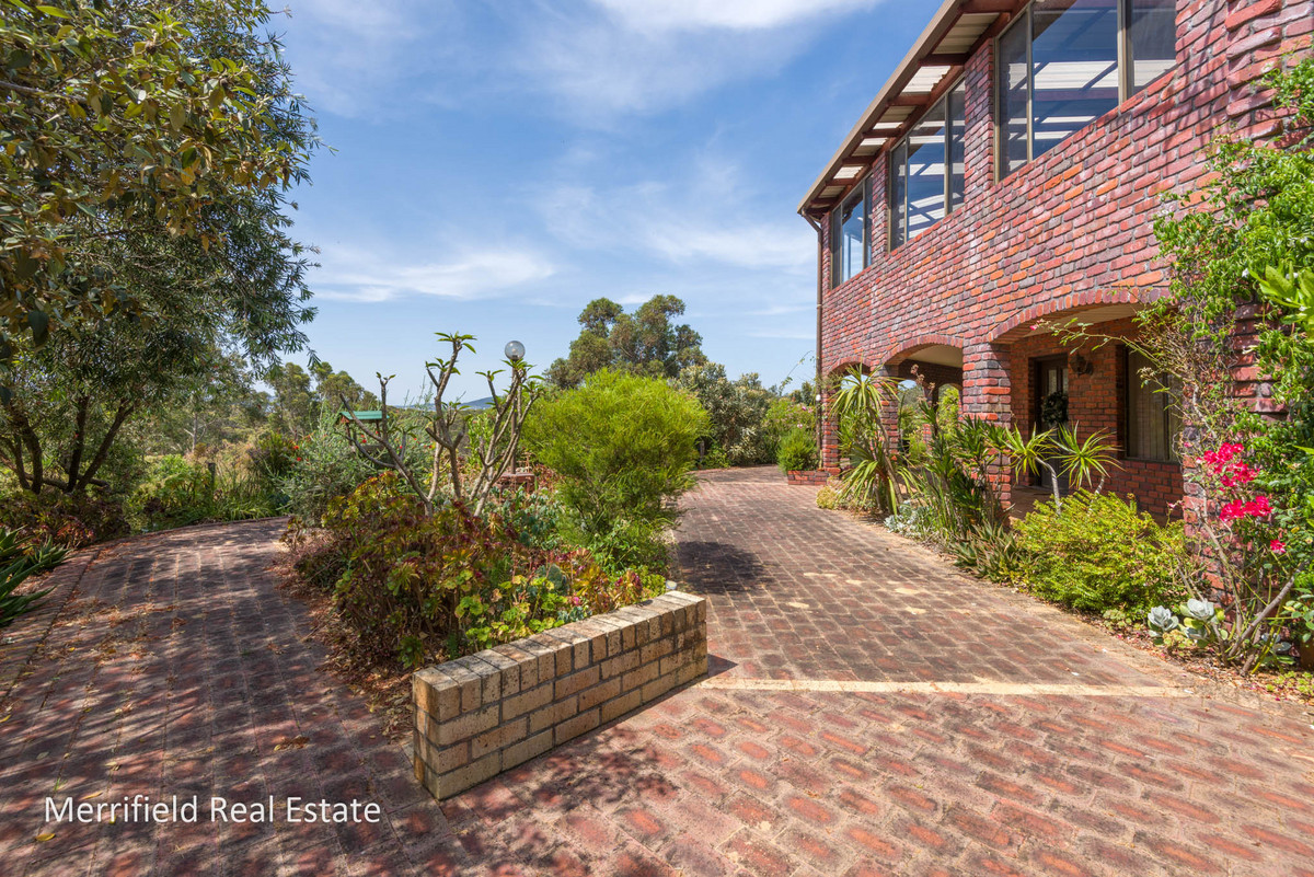71 Diamond Street, Little Grove WA 6330