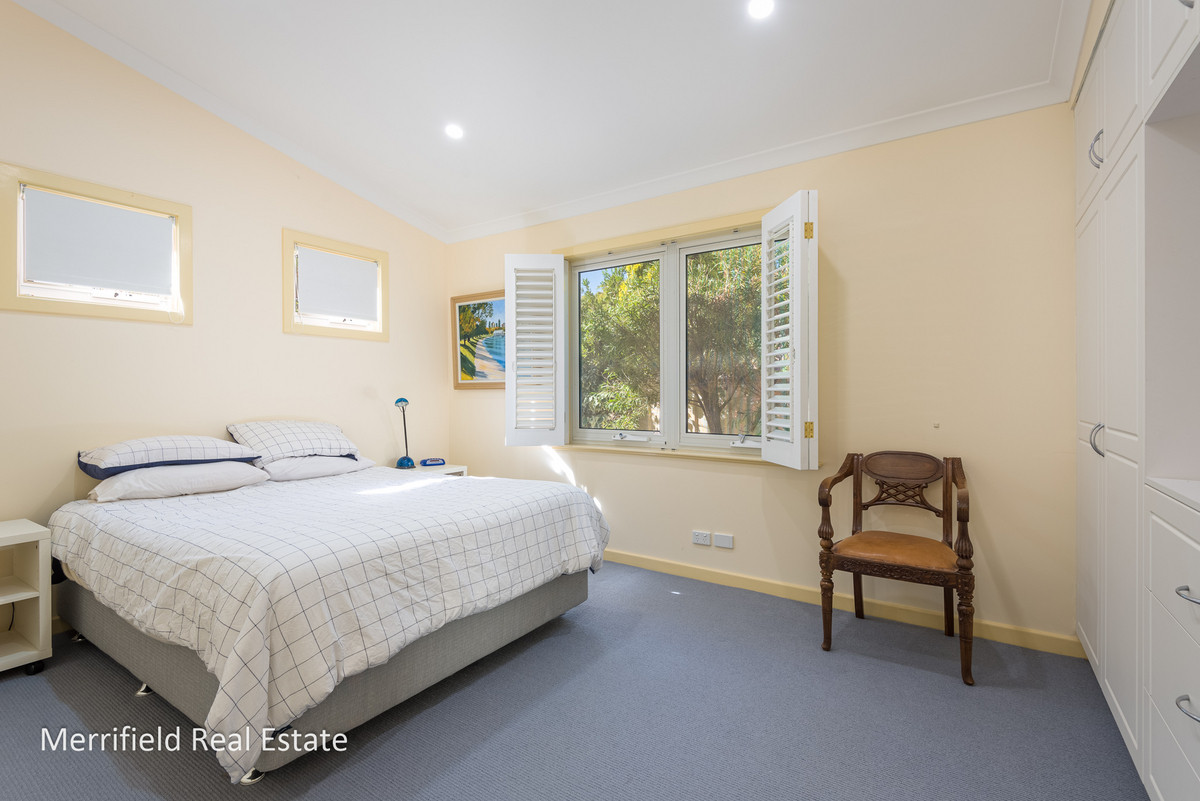 9 Griffiths Street, Collingwood Park WA 6330