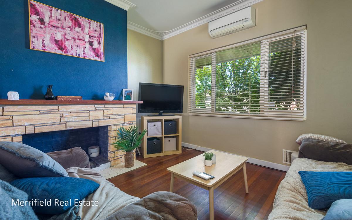 26 Katoomba Street, Orana WA 6330