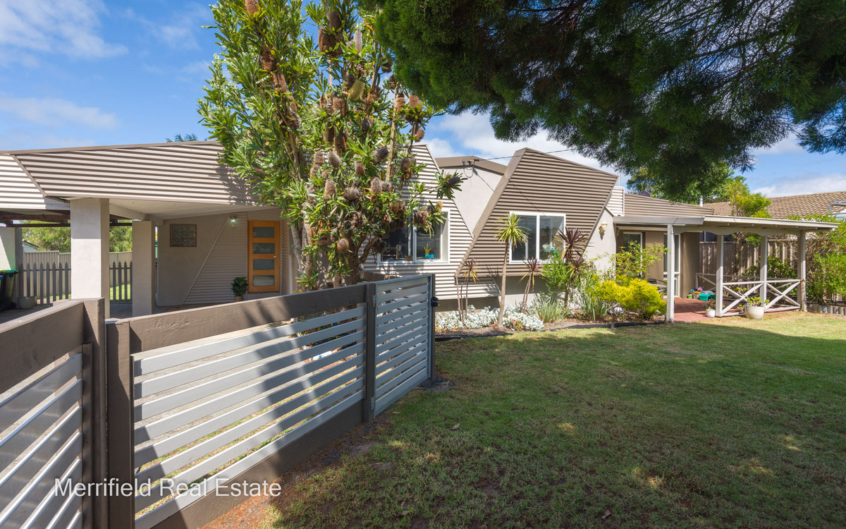 160 Collingwood Road, Collingwood Park WA 6330