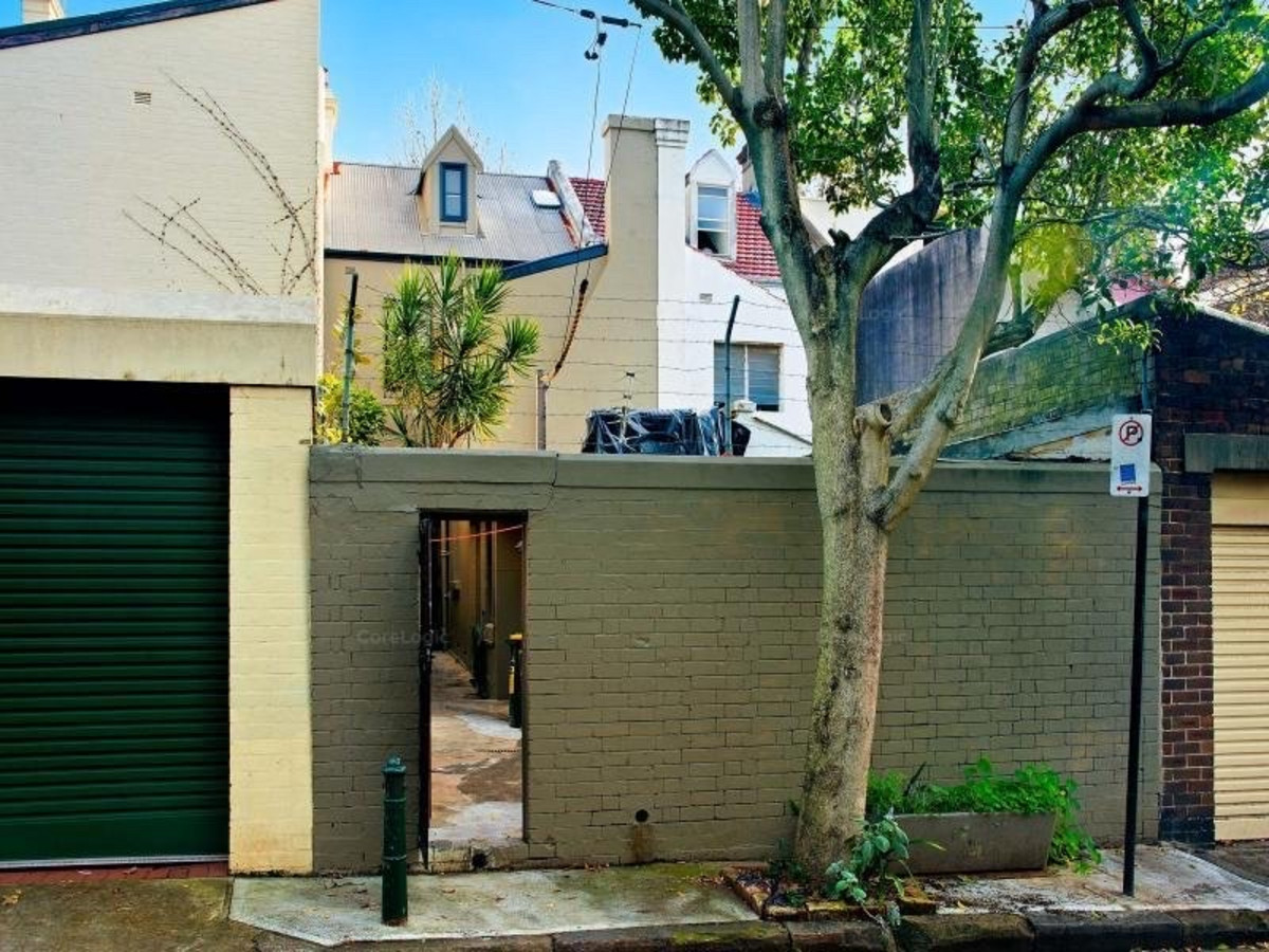 Clean Rooms for Lease within Trendy City Fringe Terrace - 10