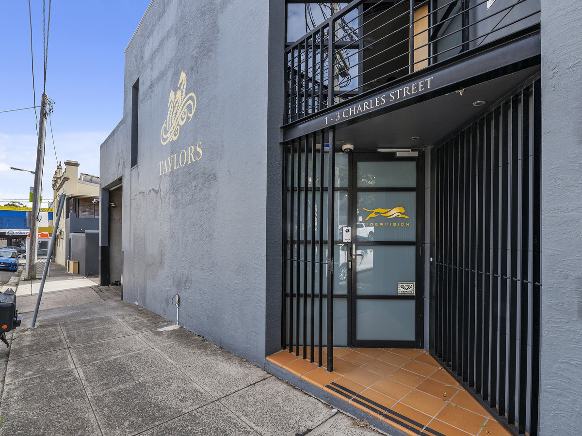 Exceptional Inner West Warehouse - 8