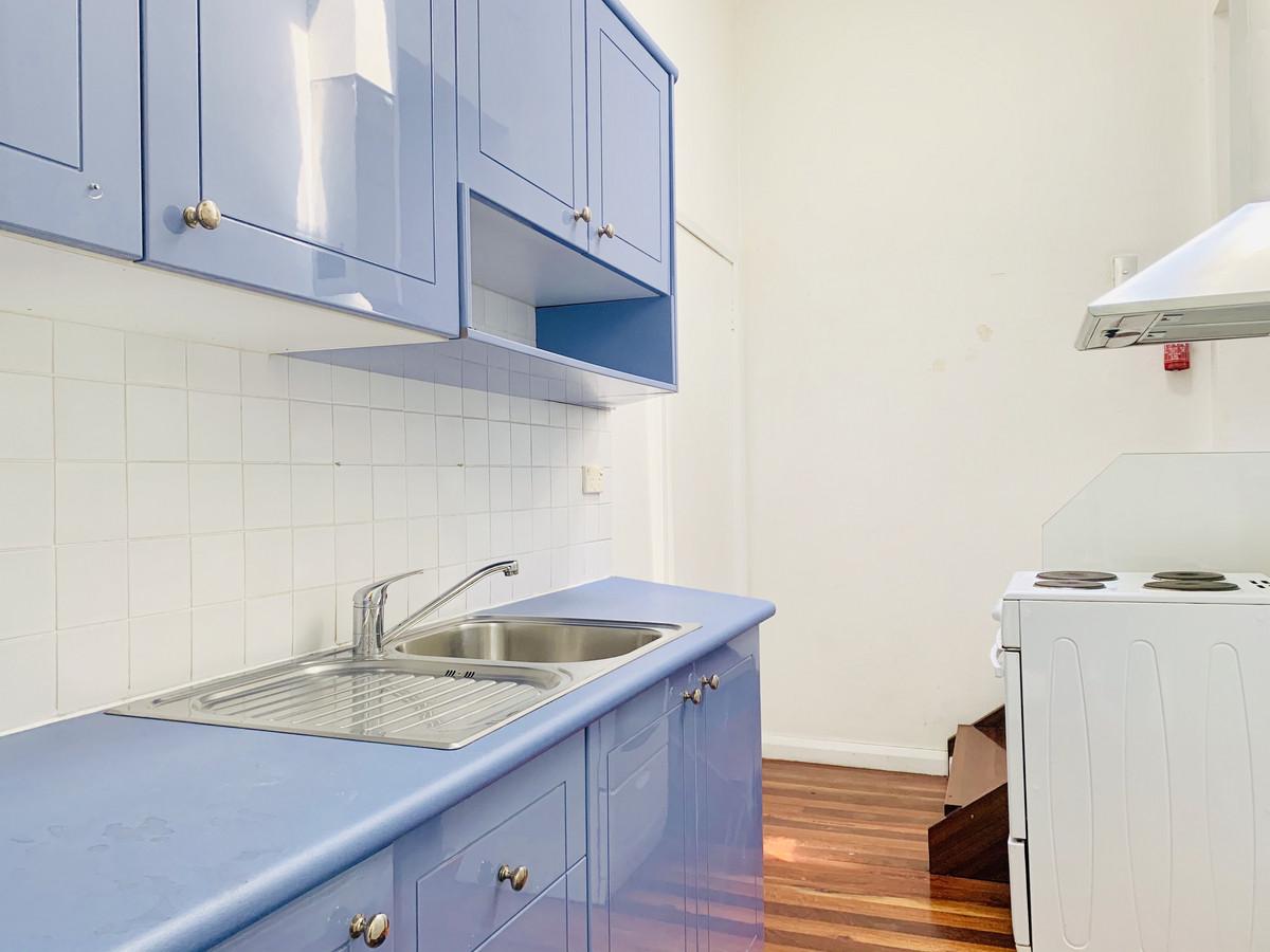 Sunny Creative Office / Residence - 1