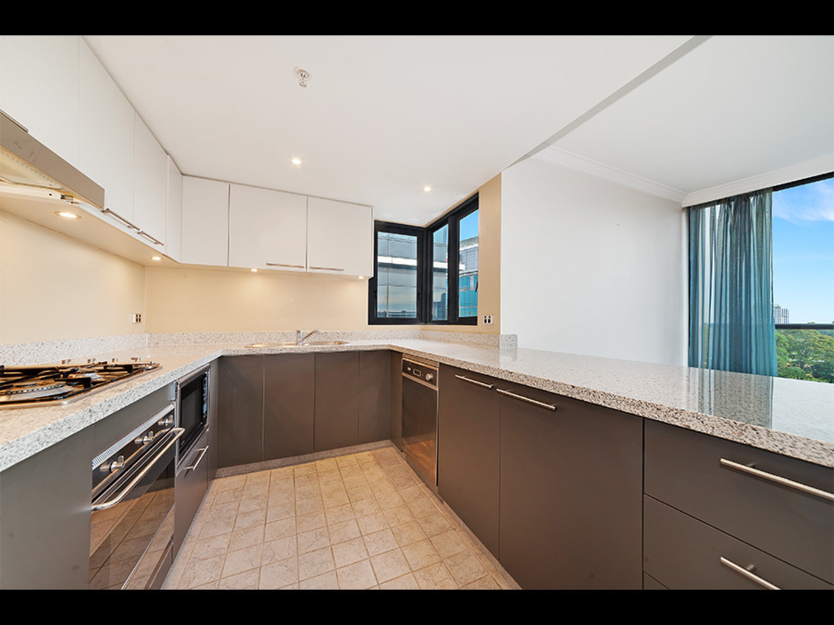 Life style 2 bedroom Modern Apartment in the heart of St Leonards
