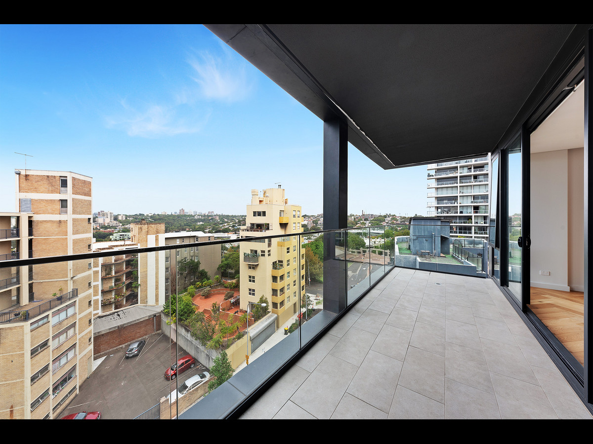 Brand New 2 bedroom apartment with Stunning Views Located on Level 7