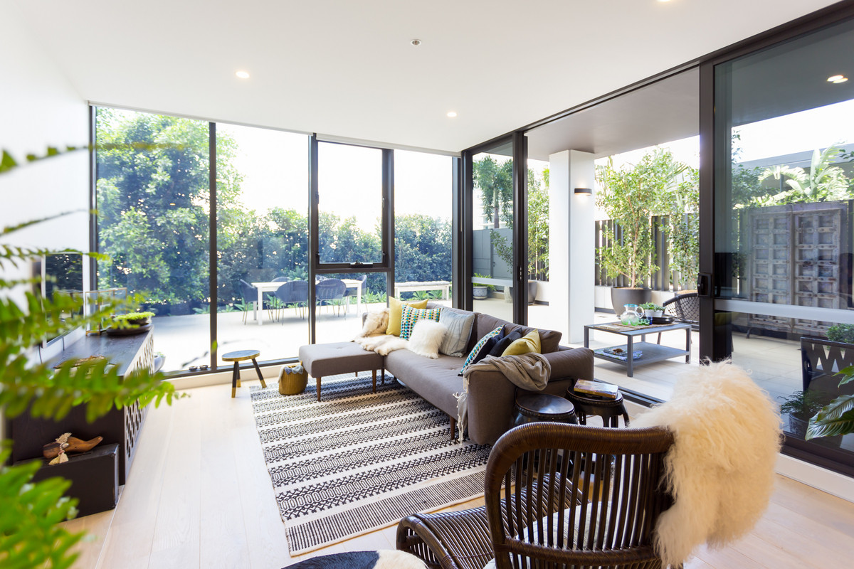 161 sqm of Luxe living … Totally rare, Totally beautiful, in a Precinct with every Walking Convenience