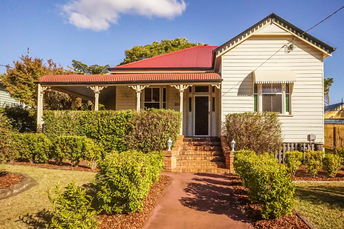 Stairway to Heaven in South Toowoomba - York Realty