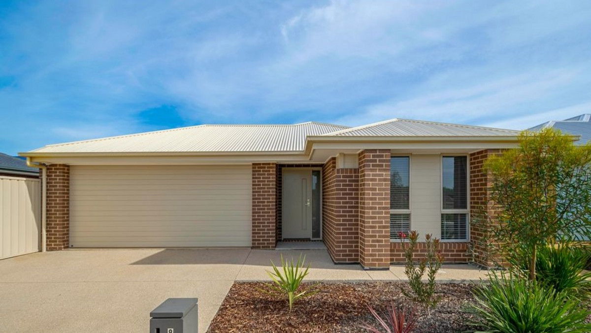 8 Lauren Lane, Munno Para West SA 5115 (2495611)