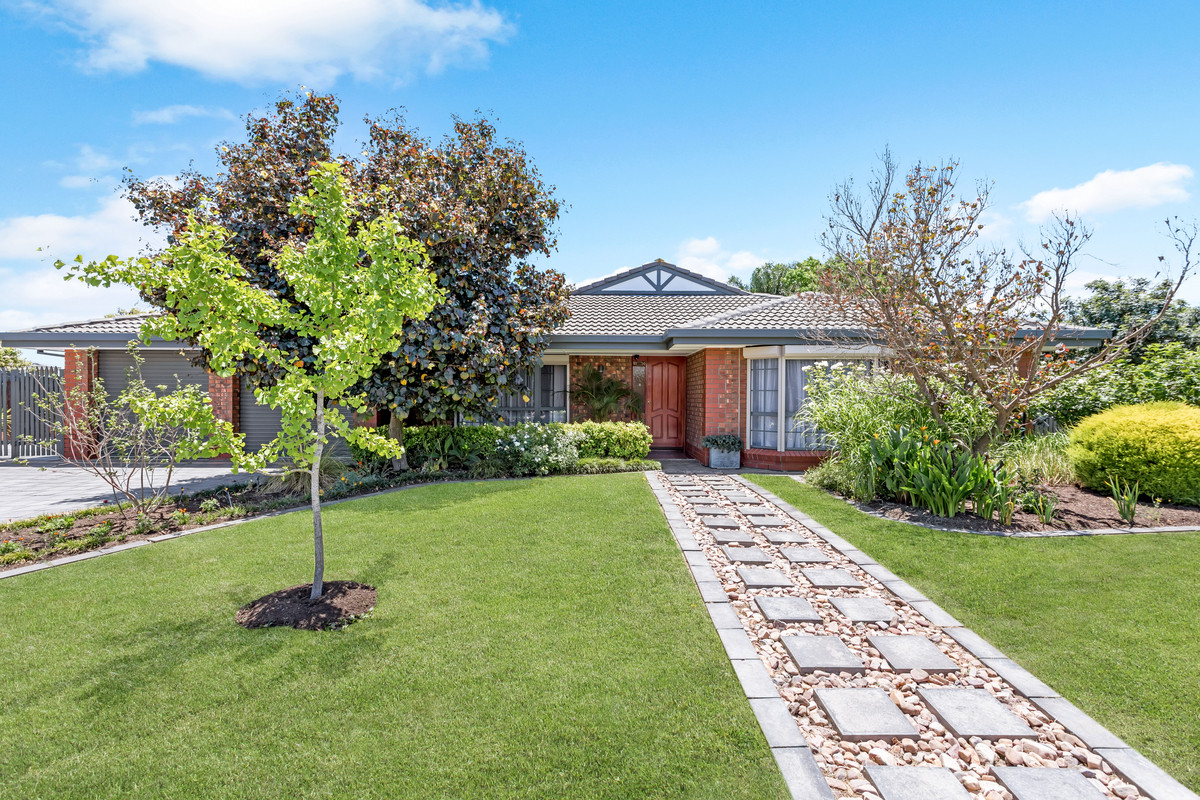 10 Raschella Street, Hope Valley SA 5090 (2615470)