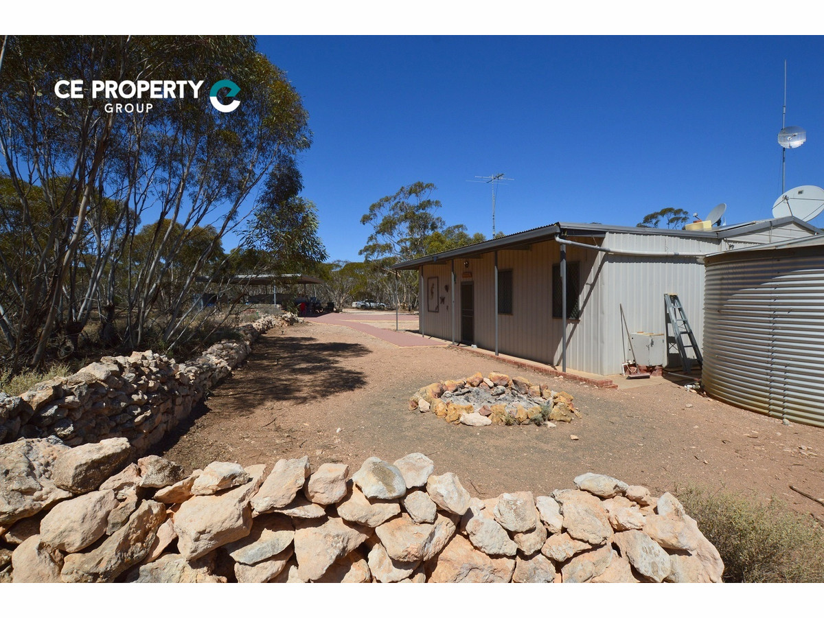 Self-Sufficient Mallee Retreat