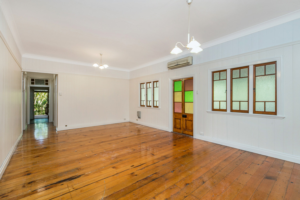 Private and spacious Queenslander