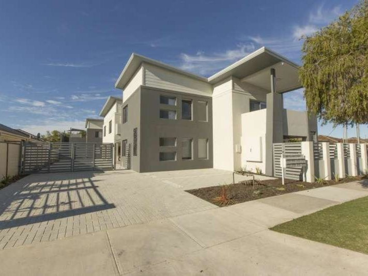 GREAT VALUE LEASED INVESTMENT - CLOVERDALE